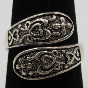 Jewelry - Vintage Size 7 Sterling Ornate Floral Heart Ring